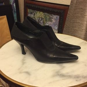 Donald J Pliner Pointed Leather Booties